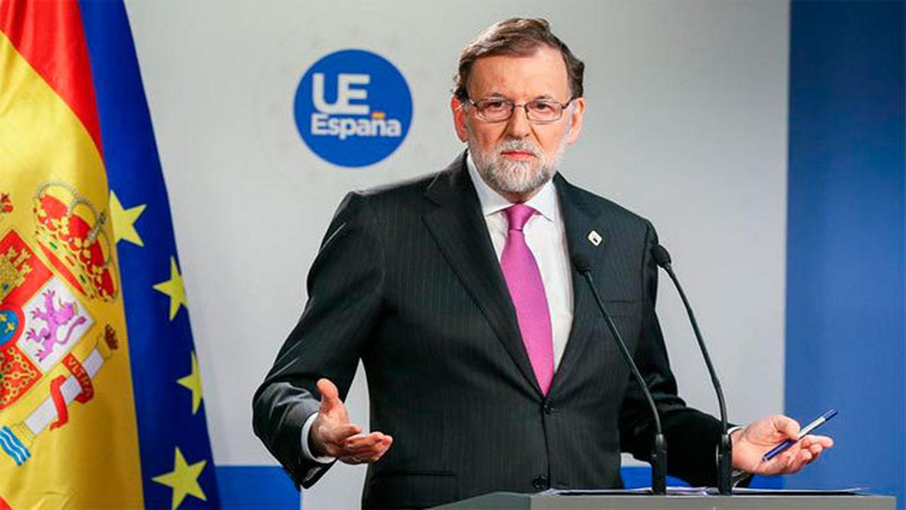 """Rajoy pide a la oposición """"no hacer política"""" con las pensiones cuando """"no hay recursos"""" para subirlas"""