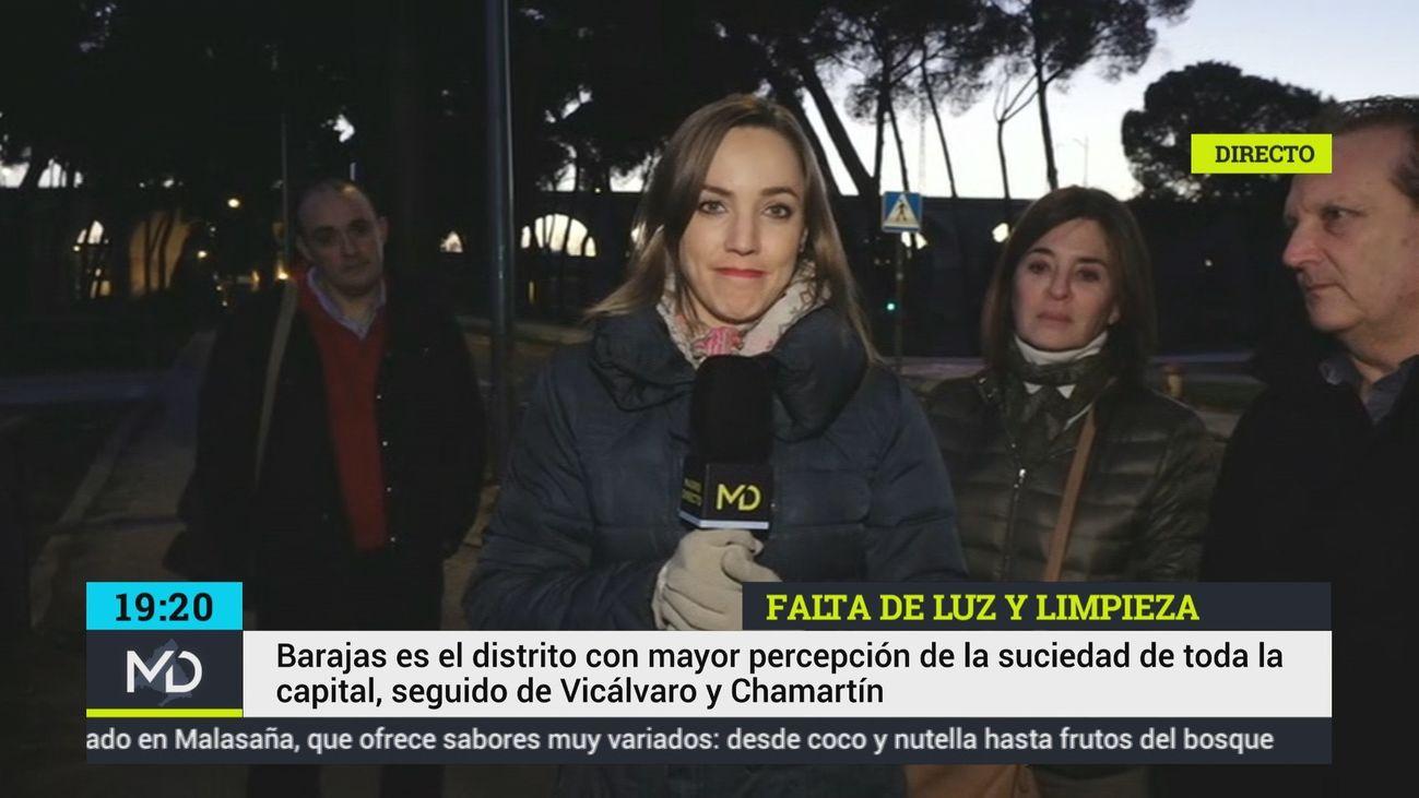 Los vecinos de Barajas denuncian la suciedad y la falta de iluminación