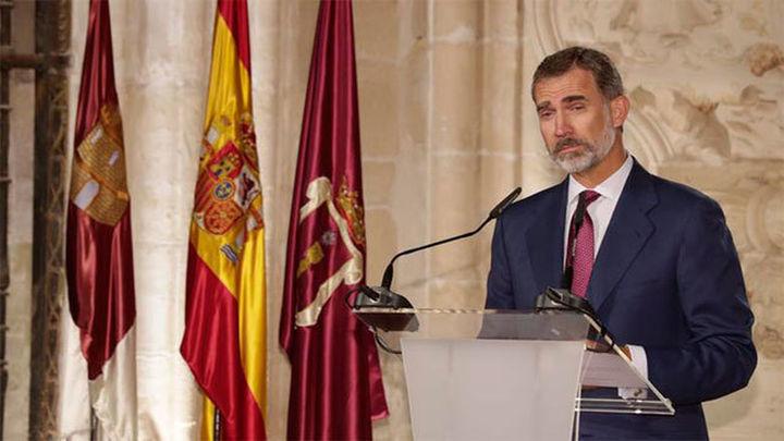 """El Gobierno advierte: El """"desplante mezquino"""" al Rey pone el riesgo el futuro del MWC en Barcelona"""