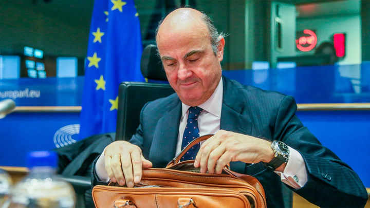 """Guindos cree """"crucial"""" la independencia de los bancos centrales"""