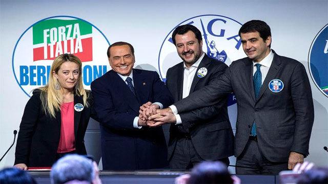Giorgia Meloni del partido Hermanos de Italia, Silvio Berlusconi de Forza Italia, Matteo Salvini de Liga Norte y Raffaele Fitto