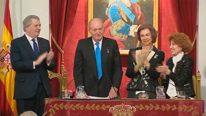 El Rey Juan Carlos rinde tributo al pueblo español, protagonista de la Transición