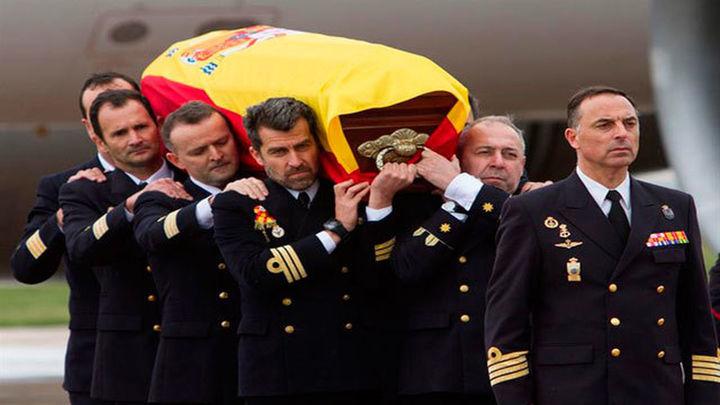 Llegan a España los restos del oficial de la Armada muerto en la Antártida