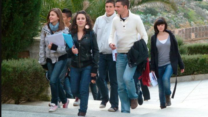 Más de mitad de las jóvenes sufre discriminación, frente al 30% de los chicos