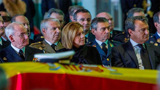 La Ministra de Defensa, María Dolores de Cospedal en el funeral por el capitán de fragata Javier Montojo Salazar