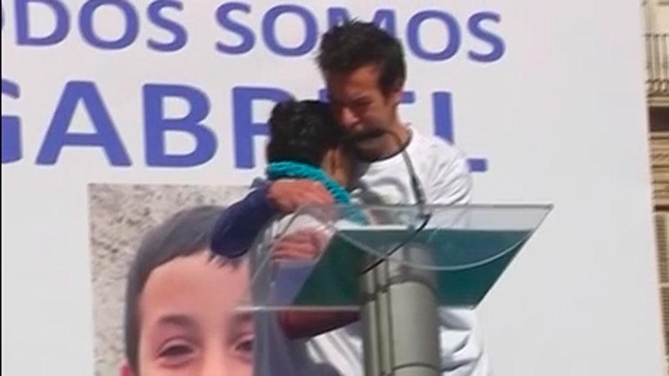 """Almería apoya a la familia de Gabriel al grito de """"le vamos a encontrar"""""""