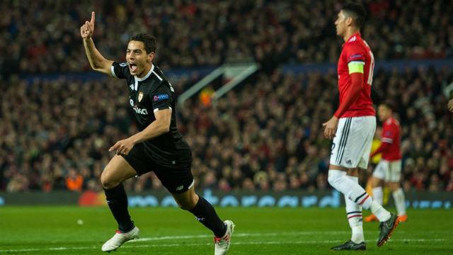 Ben Yedder ante el Manchester United