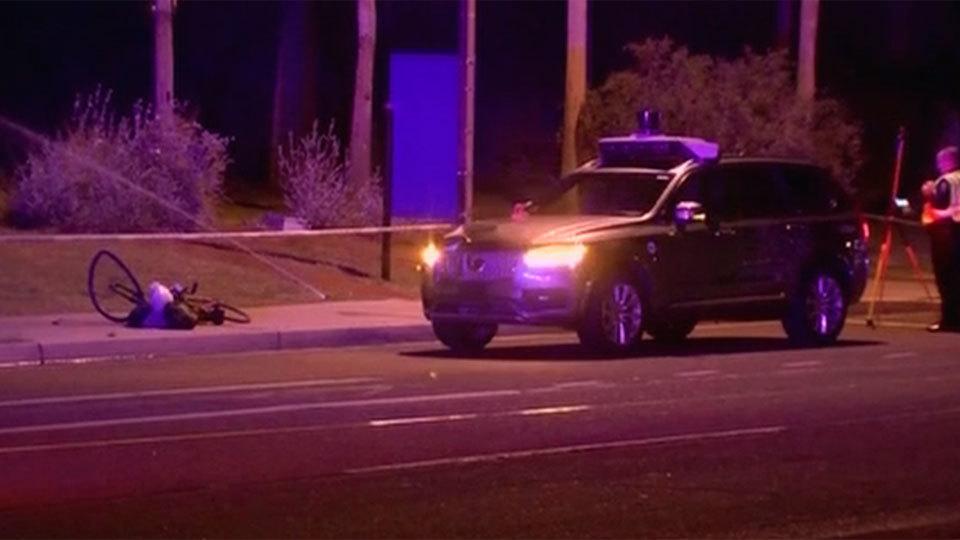 Una mujer muere en Arizona en el primer atropello de un coche sin conductor
