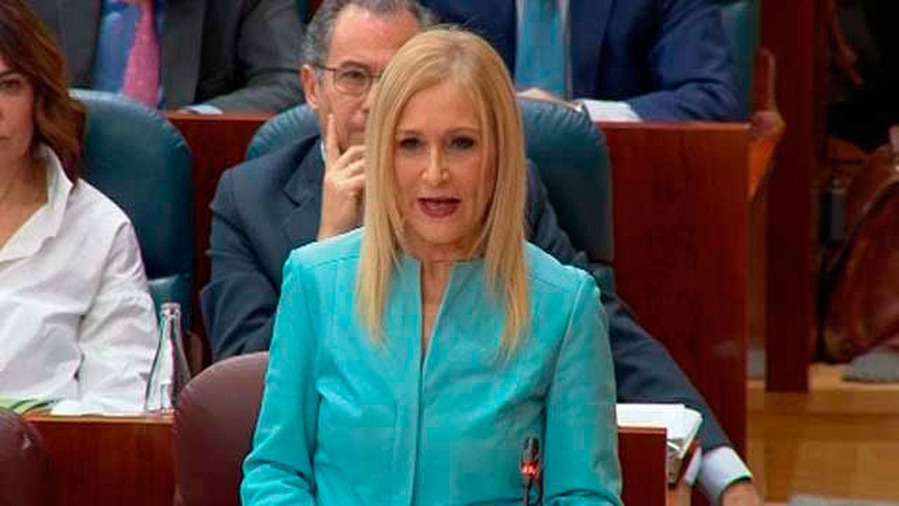 Cristina Cifuentes descarta dimitir por la polémica del máster