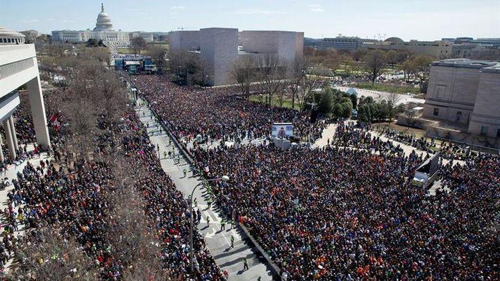 Cerca de un millón de estadounidenses por el control de las armas