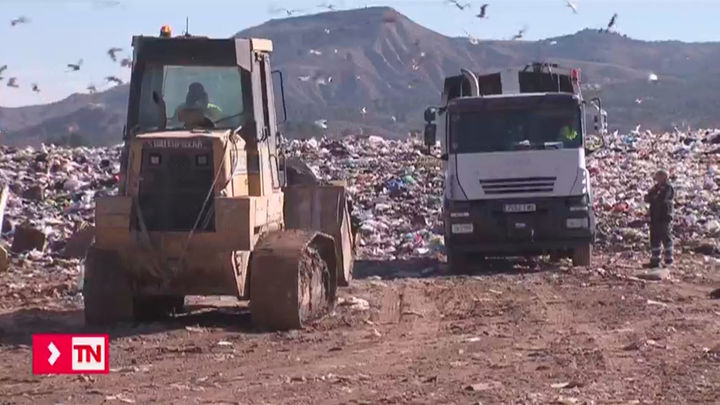 La guerra de basuras saca a la calle este domingo a los vecinos de Alcalá y Vallecas