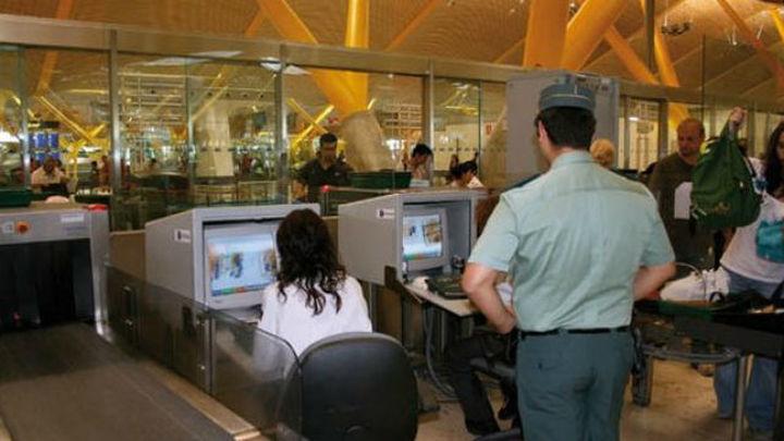 Detenido un pasajero que quería volar a  Uruguay con 3,7 kilos de heronía ocultos en una maleta