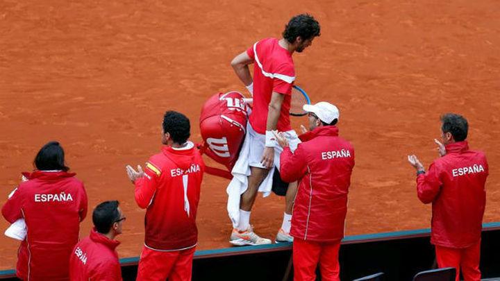 Copa Davis: España, contra las cuerdas (1-2)