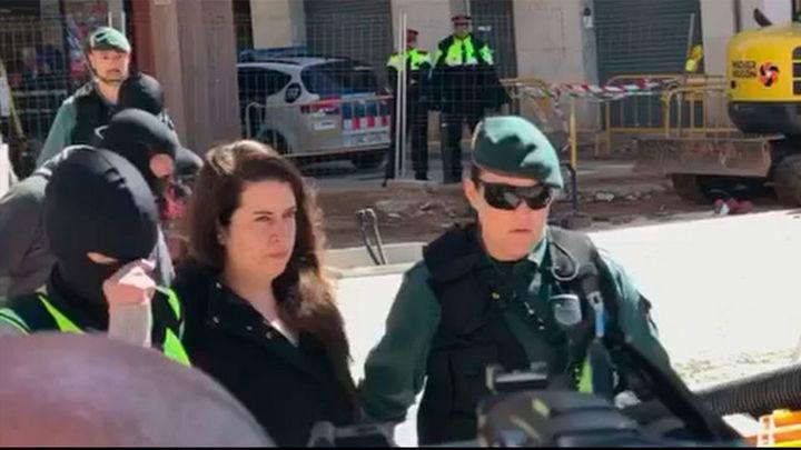 Detenida una líder de los CDR en Cataluña acusada de terrorismo y rebelión