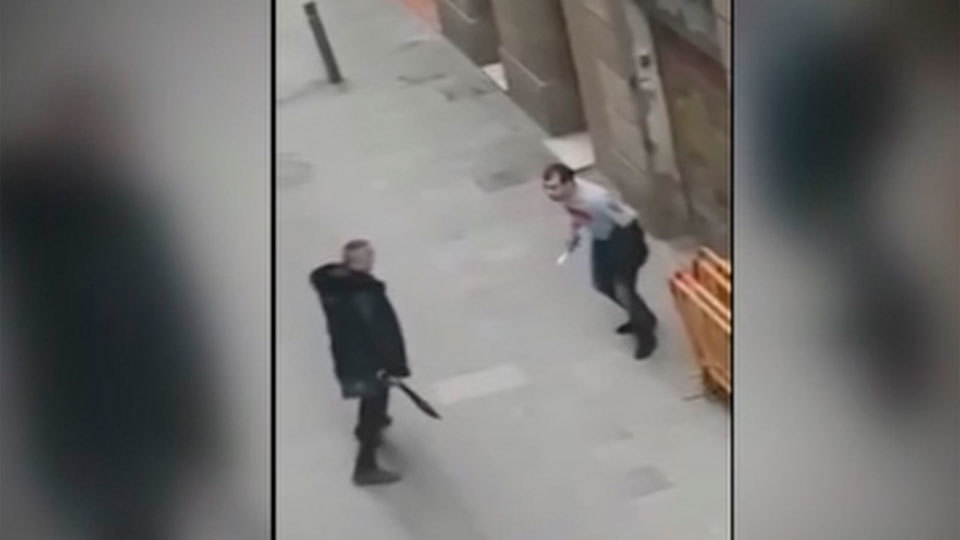 Pelea a machetazos y navajazos en el barrio del Raval en Barcelona