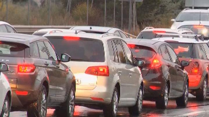 Dos colisiones de vehículos complican el tráfico en los accesos a Madrid