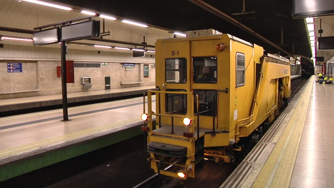 Trabajos de mantenimiento y puesta a punto en el metro