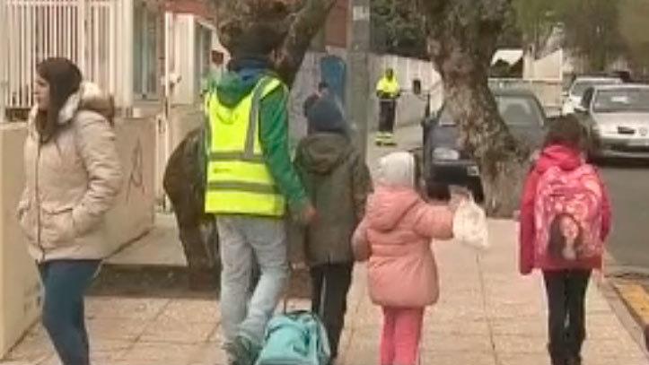 Los escolares de Guadarrama van 'al cole andando'
