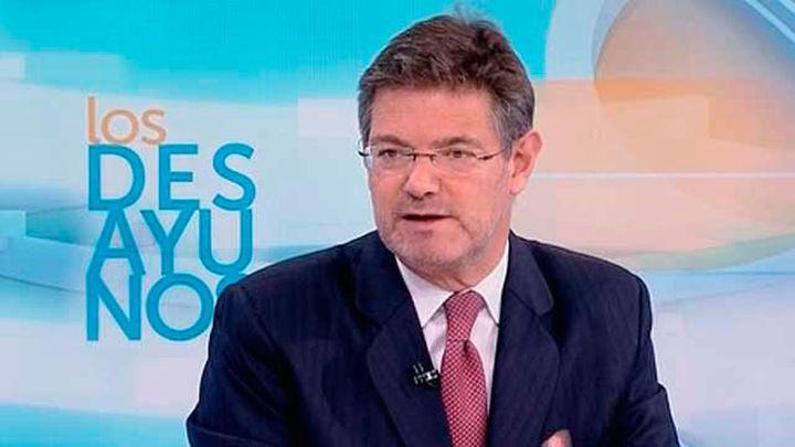 """Catalá ve """"prematuro"""" exigir la dimisión de Cifuentes pero advierte que hay """"zonas de sombra"""""""