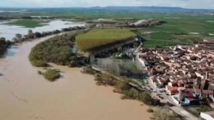 Medidas urgentes del Gobierno para paliar los daños por la crecida del Ebro