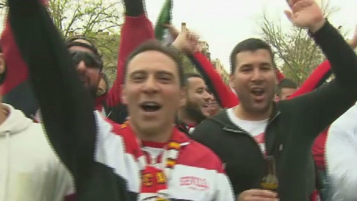 Más de 70.000 aficionados del Sevilla y el Barcelona llenan Madrid