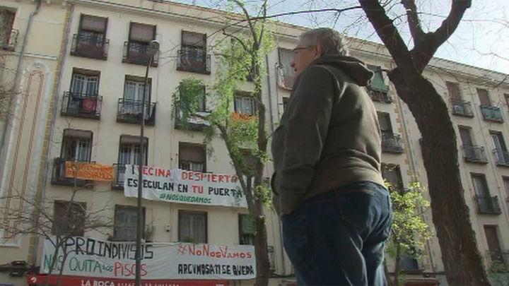 Los inquilinos del número 11 de Argumosa, varios ancianos, se quedan sin su casa