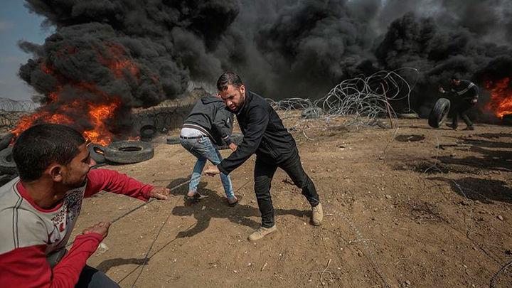 Cuatro personas palestinos muertos en las protestas de Gaza