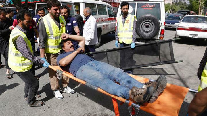 Al menos 25 muertos, 9 de ellos periodistas, y más de 40 heridos, en dos explosiones en Kabul