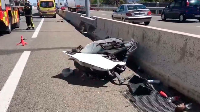 Restos del accidente sobre la calzada