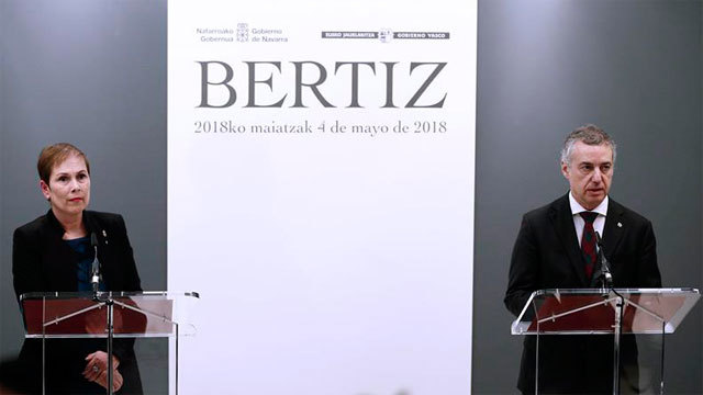 La presidenta de Navarra, Uxue Barkos, y el lehendakari, Iñigo Urkullu, en el Señorio de Bertiz