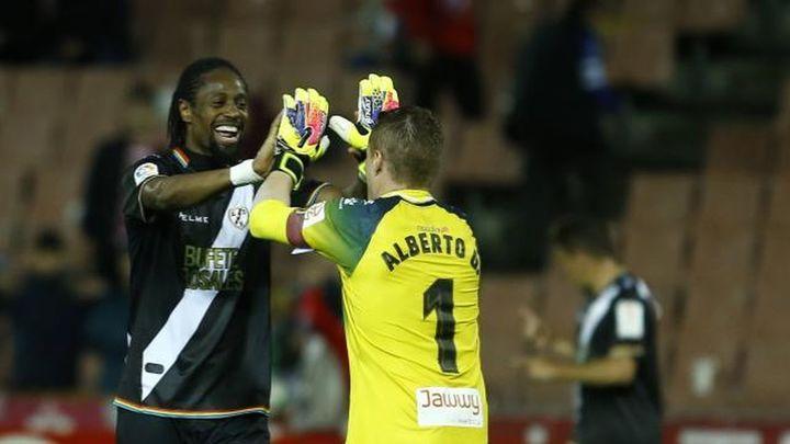 0-2. El Rayo recupera el liderato al ganar al Granada