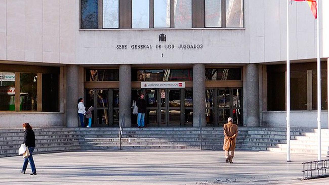 La víctima de 'la manada' denuncia ante el juez la filtración de sus datos personales