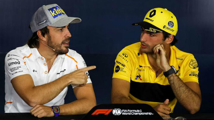 Alonso y Sainz acaparan la atención en Montmeló
