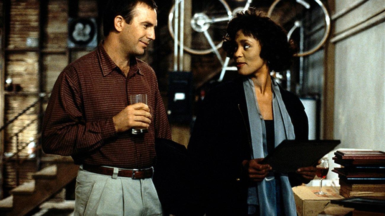 """Kevin Costner es """"El guardaespaldas"""" de Whitney Houston"""