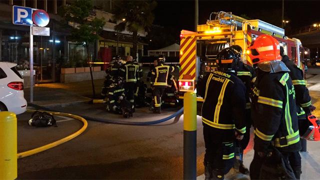 Incendio en un edificio de oficinas de la calle Agustín de Foxá