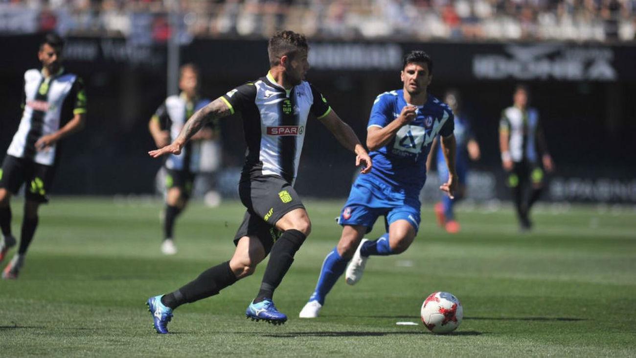 2-1. El Cartagena gana al Rayo Majadahonda el primer asalto a Segunda