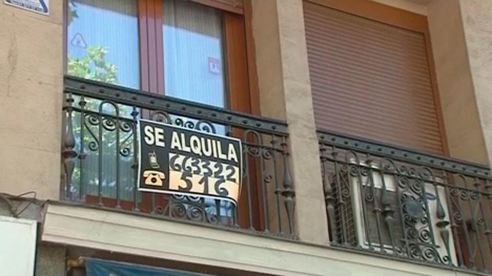La demanda de vivienda de alquiler cae un 36% en un año en Madrid