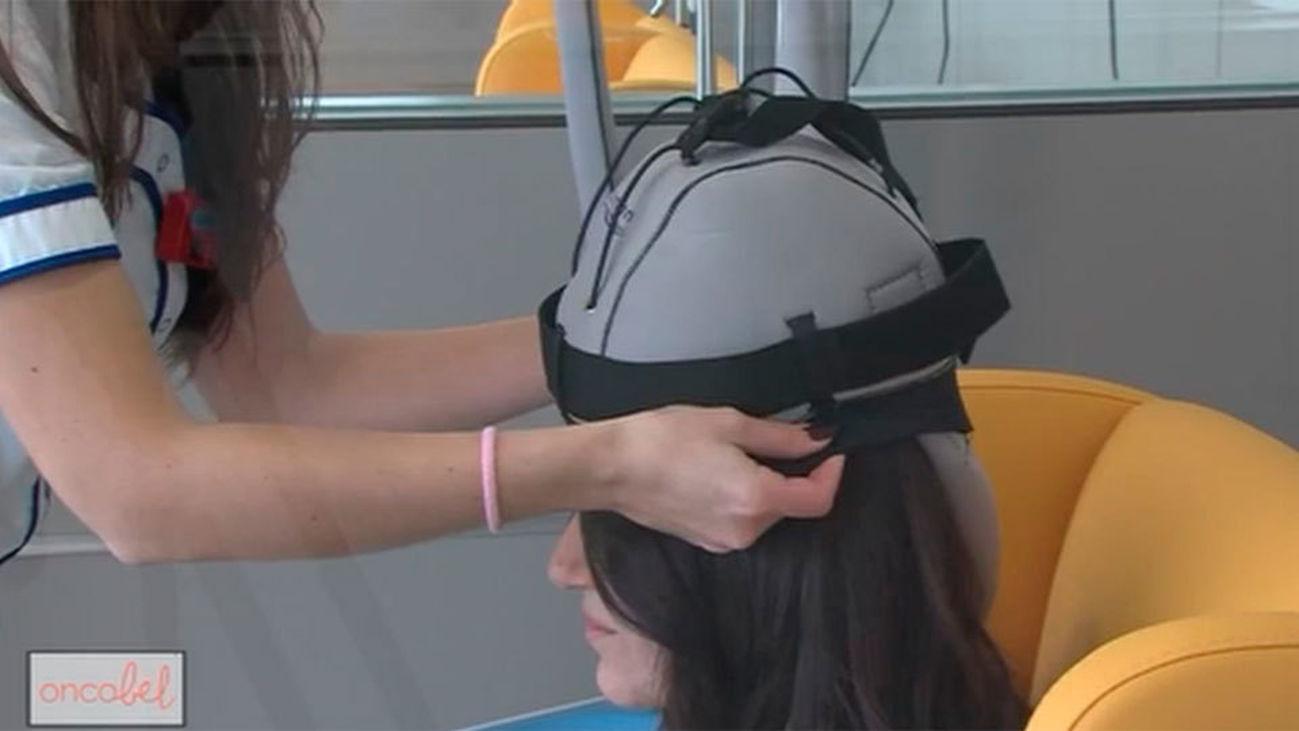 Logran evitar la pérdida del pelo por la quimioterapia gracias a una novedosa técnica
