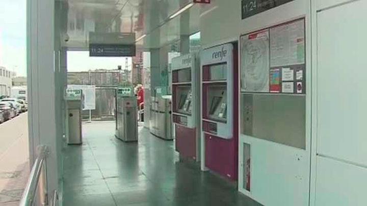 Fomento reformará la estación de Cercanías de Ramón y Cajal, que se libera de tornos