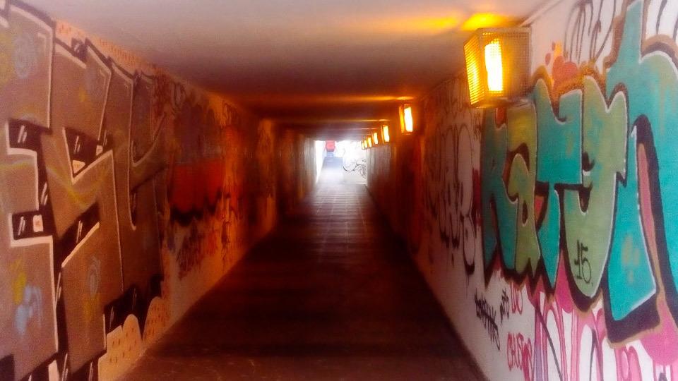 Túneles en Batán con personas sin hogar