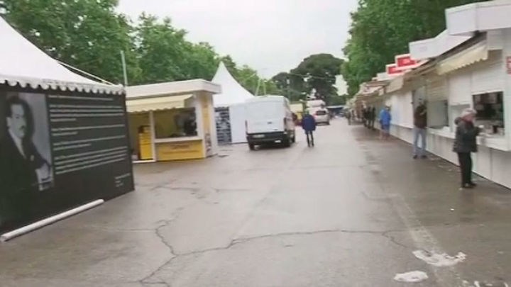 Abre la Feria del Libro, pero se pospone la inauguración oficial por la lluvia
