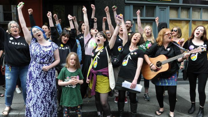 """El """"sí"""" a la reforma del aborto en Irlanda gana el referéndum con el 66,4 % de votos"""