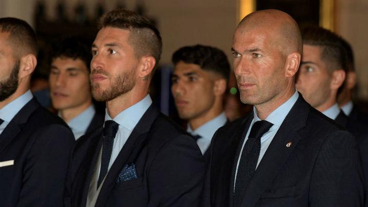 El Real Madrid ofrece la Liga de Campeones a la Virgen de la Almudena