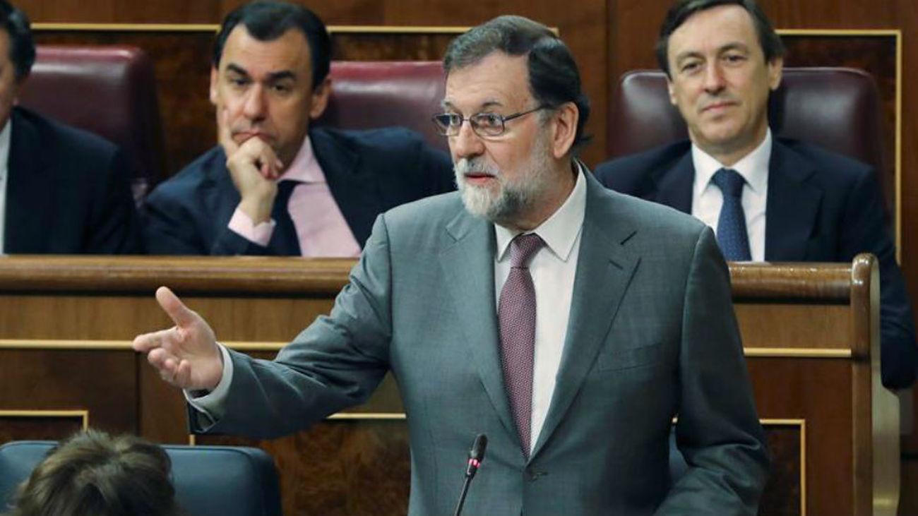 """Rajoy se pregunta qué partido va a  aceptar """"el chantaje""""  de Pedro Sánchez"""