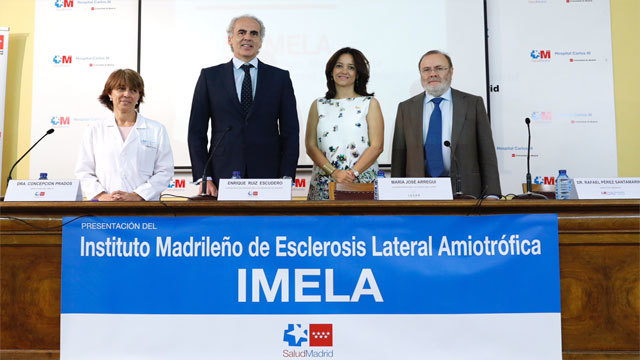 el consejero de Sanidad, Enrique  Ruiz-Escudero en la presentación del Instituto Madrileño de Esclerosis
