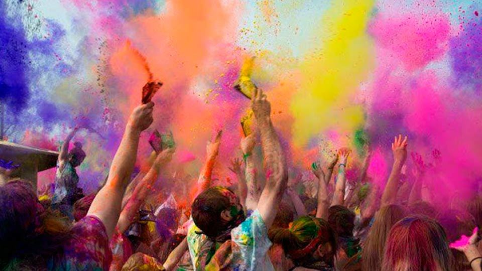 Esta 7ª edición de HoliMadrid teñirá de colores la capital de 11:00 a 16:00 h