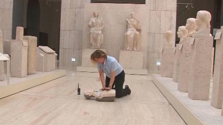 Ocho museos estatales de Madrid cuentan ya con desfibriladores