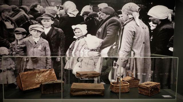 Imagen de la exposición sobre Auschwitz