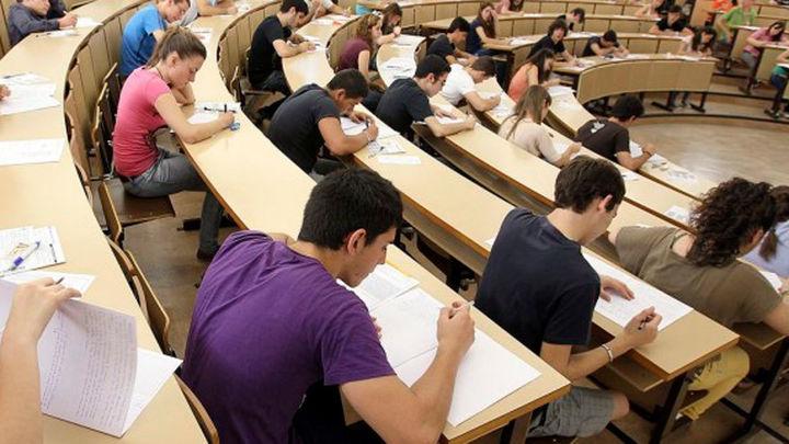 Móstoles asumirá el pago de las tasas de selectividad de alumnos sin recursos