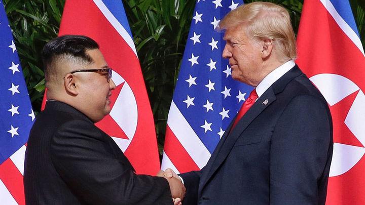 """Kim y Trump celebran una cumbre histórica con """"muchos avances"""""""
